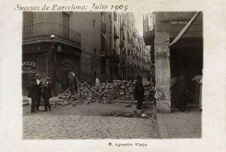 une barricade durant la semaine tragique